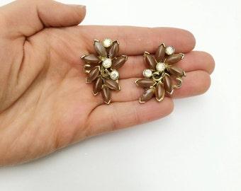 Vtg 1960s Avon of Belleville Boucher Earrings- Clip on, Retro, Mad Men