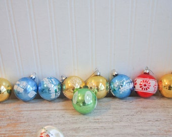Noelle Glass Vintage Ornaments, Glass Balls, Christmas Balls, Stenciled, Glitter, Snowflake, Trains, Vintage Ornaments, Xmas Decorations