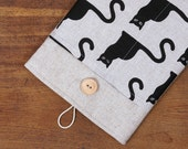 70% OFF SALE White Linen iPad Case with Cats print pocket and button closure. Padded Cover for iPad 1 2 3 4. iPad Sleeve Bag.