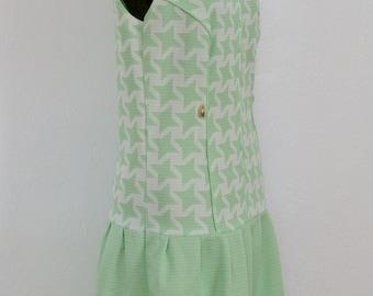Vintage Drop Waist Dress Mint Green White Sleeveless Gold Tone Pointed Collar Mid Century Mod Dress Size M - L GallivantsVintage