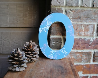 "9"" Distressed Rustic Wooden Letter O"