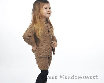 Childrens Kids baby / toddler girl hand knitted Beige brown wool shorts / shorties, bloomers with bobbles, Fall / Winter 3T, 4T, 5T