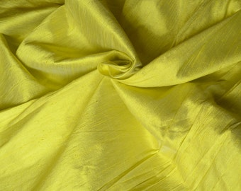 Silk dupioni in lemon yellow with Ivory shimmer - D 275,  Fat quarter.