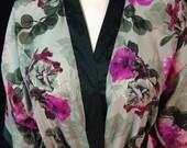 Wrap Robe// Floral kimono style// wedding photo prop