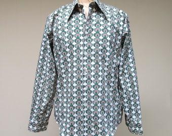 Vintage 1960s Shirt / 60s Mens Boho Shamrock Horseshoe Shirt / Deadstock / Large