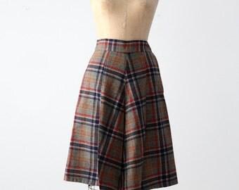 FREE SHIP  1950s plaid skirt, pleated wool skirt