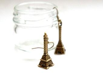 Antiqued Brass Eiffel Tower Dangle Earrings - C004