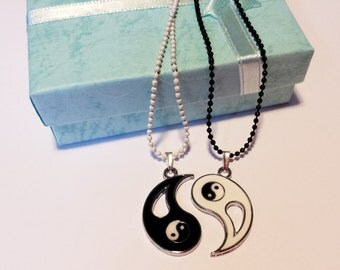 Couple's Yin and Yang sign zen lovers friendship 2 necklaces