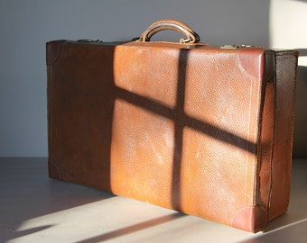 French Vintage Leather Suitcase Weekend Bag 1940s with working lock.