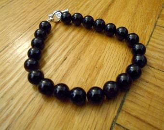 Garnet round bead bracelet