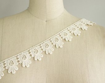Holly Small Fringe Floral Lace Trim in Ivory / Small Venice Lace Trim / Dress Lace Trimming / Costume Design / Childrens Wear