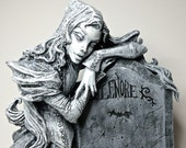 Lenore Statue, Black and White