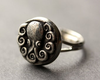 Octopus Ring. Octopus Button Ring. Silver Button Ring. Adjustable Ring. Silver RIng. Handmade Ring. Pewter Ring. Octopus Jewelry.