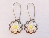 Daisy Earrings/Boho Earrings/Cream Earrings/Rustic Wedding Earrings/Bridesmaid Earrings/Boho Wedding Earrings/Bohemian Flower Earrings