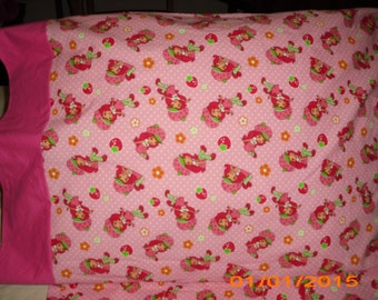 Strawberry Short cake Baby/Toddler fitted sheet with standard pillowcase pink