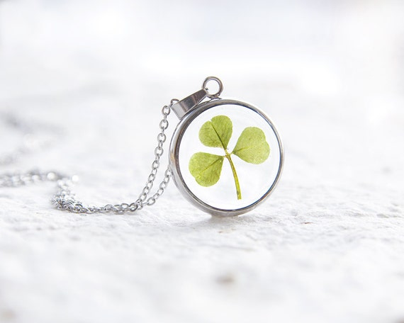 Real clover necklace - Green st patricks day lucky pendant - botanical nature inspired jewellery