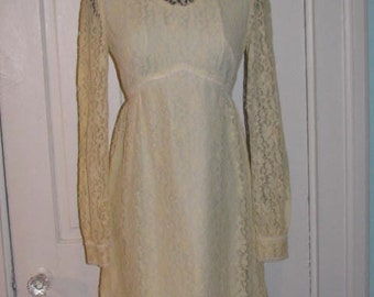 LACE WEDDING DRESS // 60's Cream Ivory Buttercream Short Dress Formal Party Size Small 70's Overlay Hippie Festival Boho