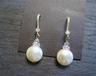 Swarovski Crystal Pearl Earrings/Bridesmaid Jewelry/ Bridal Jewelry/ Bridesmaid Earrings/ Pearl Earrings/ Pearl Jewelry/Swarovski Earrings