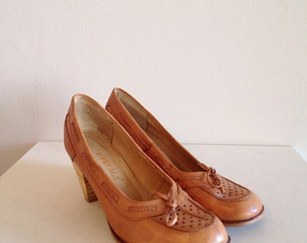 Vintage Stacked Heel and Leather Shoes Heels Size 8