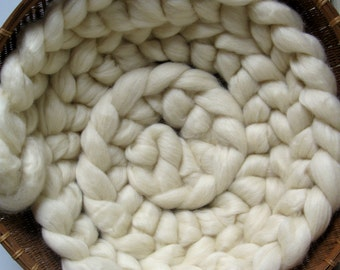 10' foot Cream Wool Photo Prop Wool Braid for Newborn Infant Baby Natural Roving Braid Photography