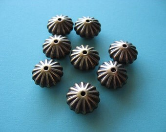 8pcs Antique Gold Fluted Metalized Saucer Bead