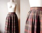 SALE // 1970s plaid pleated skirt // circle skirt // vintage skirt