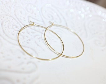 Gold Hoop earrings, thin, delicate, Simple, medium by Anabel Nove