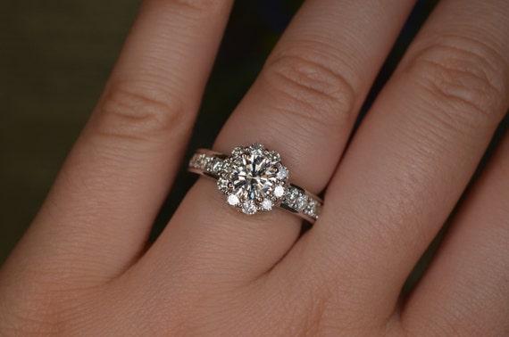 Flower Shaped Diamond Wedding Ring 18K White Gold