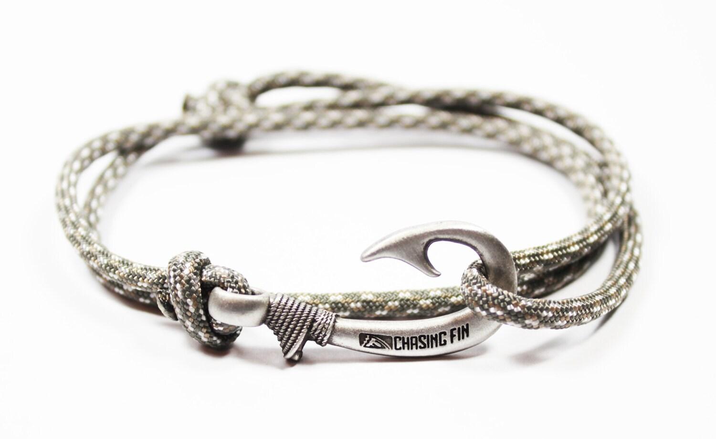 new adjustable paracord hook bracelet digital camo by