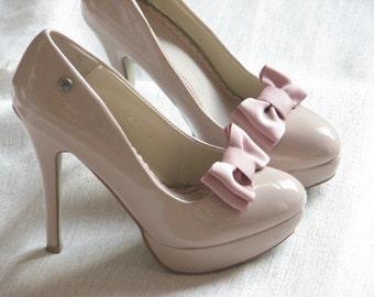 Mauve shoe clips Dusty rose shoe clips Mauve shoe bows Dusty rose wedding Mauve wedding Antique pink shoe clips Mauve shoes Bridal shoes
