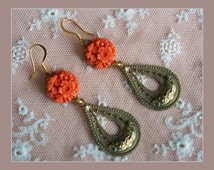 Vintage Carved Glass Floral Earrings - Gold Tone  Filigree Drops - Coral Daffodil Flower