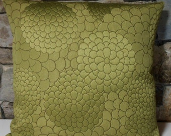 """Quilted Zinnias Avocado Green Pillow Cover//20"""" Pillow Cover"""