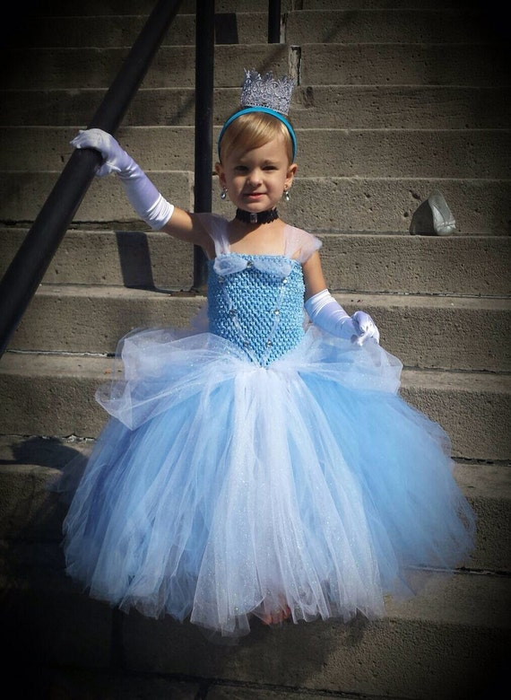 Cinderella Wedding Dress Dressing Up: Real life cinderella wore a ...