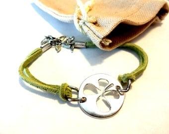 4 Leaf Clover Bracelet, Lucky Clover Bracelet, St. Patrick's Day Jewelry, Luck of the Irish Bracelet, Green Suede Bracelet