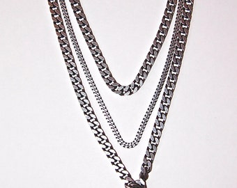 The Triple Chain Agate Necklace