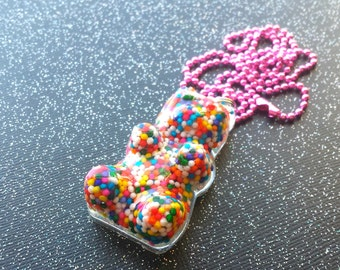 Cute Candy Sprinkles Bear Pendant / Real Sprinkles Jewelry / Colorful Resin Necklace / Cute Gift Idea / Birthday Party Favors / Gummy Bear