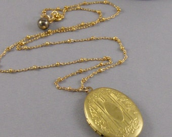 Vintage Gold Locket,Vintage Locket,Gold Locket, Brass Locket,Vintage Necklace,Antique Necklace,Antique Locket,Gold Jewely,Gold Neckalce,Fill