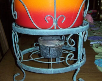 Vintage fondue 2 qt ceramic pot w wrought iron base. sterno or candle warmer