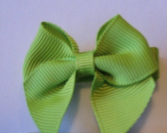 """Green 2"""" bow"""