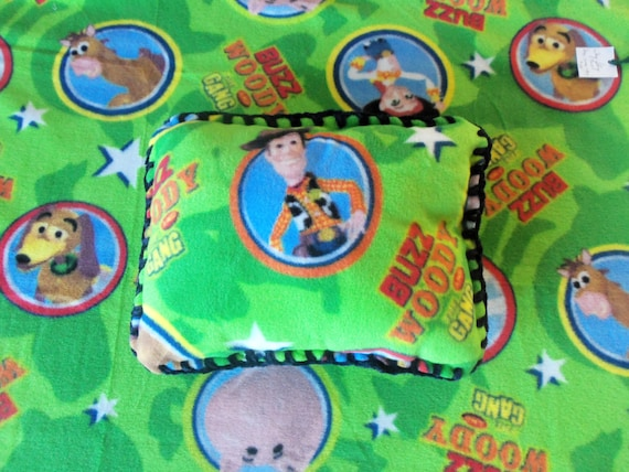 Toy Story Buzz and Woody Fleece Throw and Pillow Set