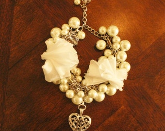 Sweet Pearl and Silver Heart Pendant Bracelet