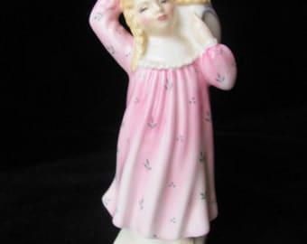 Royal Doulton figurine, Pillow Fight HN 2270