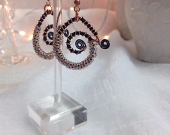 Coiled copper and dk blue wire earrings