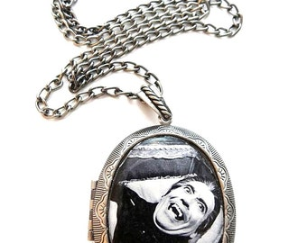 Dracula Locket & Gift Box, Christopher Lee, Horror, Film, Necklace, Jewellery, Dracula Necklace, Dracula Jewellery, Silver, Jewelry, Gift