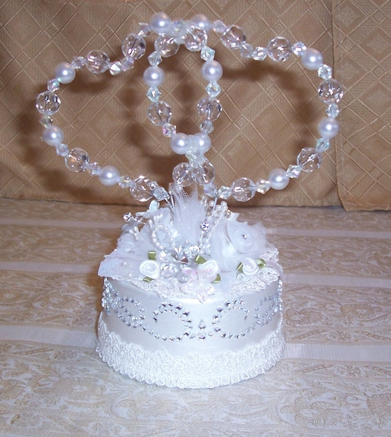 pearl heart wedding cake topper intertwined amp pearl hearts wedding cake topper 18164