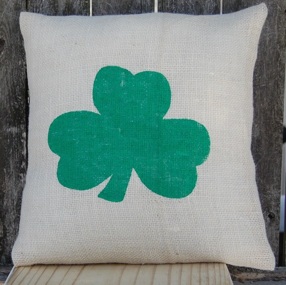 St Patrick's Day Pillow,Shamrock Pillow,St Patrick's Day Decor,St Patricks Day Pillow,Rustic Holiday Decor,Shamrock Rustic Decoration