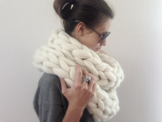 Infinity Scarf Knitting Pattern Super Bulky : Super Chunky infinity scarf, knit scarf, Super bulky scarf ...