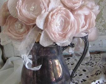 Wedding Centerpiece / Shabby Chic Flowers, Table Centerpiece, Vintage Centerpiece, Mason Jar Flowers Rustic Centerpiece 6 flowers