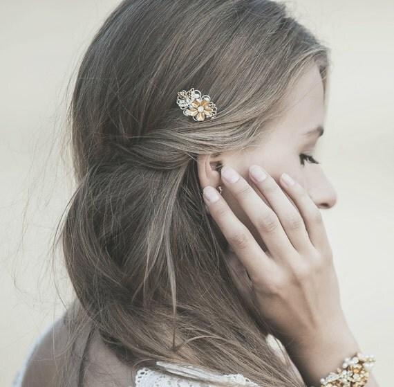 Small Gold Hair Comb , Grecian Hair Piece,  Bridal Hair Comb,  Wedding Hair Accessory , Floral Hairpiece , Tinny Hair Piece