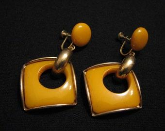 Antique Modernist Brass Geometric Orange Butterscotch Bakelite Square Dangle Screwback Earrings